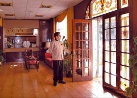 Hotel Victoria Havana entrance