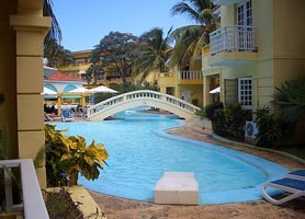 hotel comodoro havana pools
