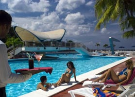 Hotel Neptuno Triton Havana pool